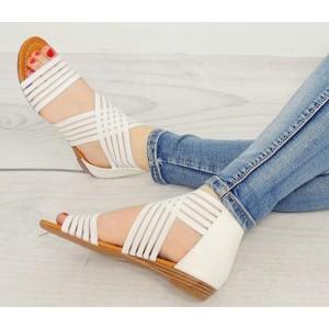 Sandále pre ženy bielej farby s tenkou podrážkou