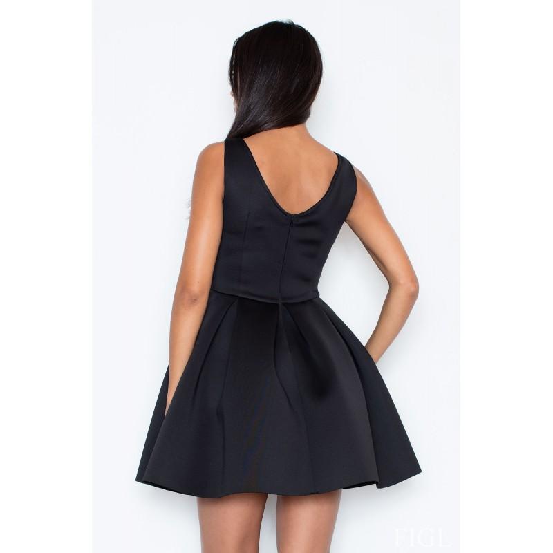 cf2c25e590a5 Elegantné šaty áčkoveho strihu v čiernej farbe - fashionday.eu