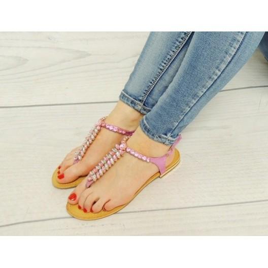 Letné dámske sandále v ružovej farbe s korálikmi