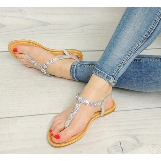 Štýlové korálkové dámske sandále v striebornej farbe