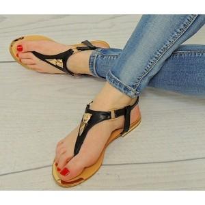 Dámske módne sandále čiernej farby so zlatým motívom vpredu