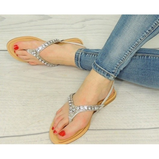 Dámske korálkové sandále striebornej farby