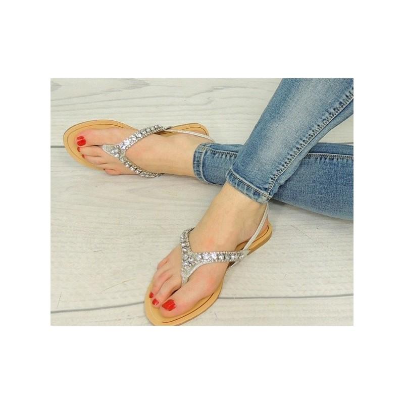 d1f2bac2b86e Dámske korálkové sandále striebornej farby - fashionday.eu