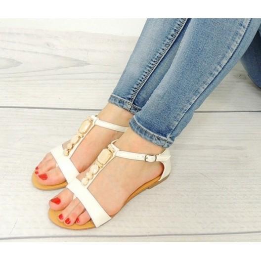 Biele sandále pre ženy s kamienkami