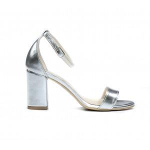 SKLADOM 36 Spoločenské dámske kožené strieborné sandálky s remienkom