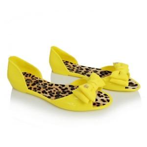 Dámske balerínky v žltej farbe s tigrovanou podrážkou