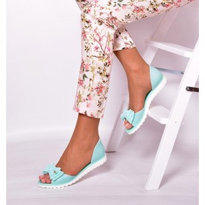 Dámske sandále tyrkysovej farby s mašličkou
