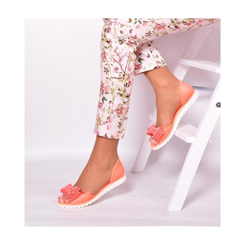 144ea6e740b9 Oranžové dámske sandále s mašľou - fashionday.eu