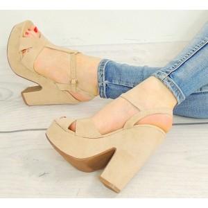 Dámske béžové vysoké sandále na platforme