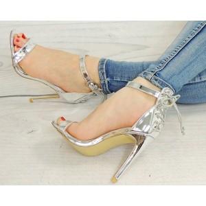 Dámske sandálky striebornej farby s bočným zapínaním