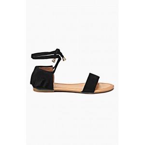 Dámske sandále čiernej farby so šnúrkami a strapcami