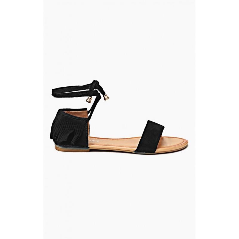 5c2357c3d95e Dámske sandále čiernej farby so šnúrkami a strapcami - fashionday.eu