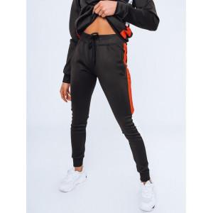 Športové dámske čierne tepláky s bočným farebným pásom