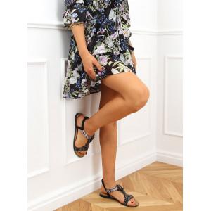 Čierne dámske sandále na zdobenej podrážke