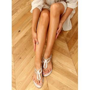 Zlaté dámske sandále na leto