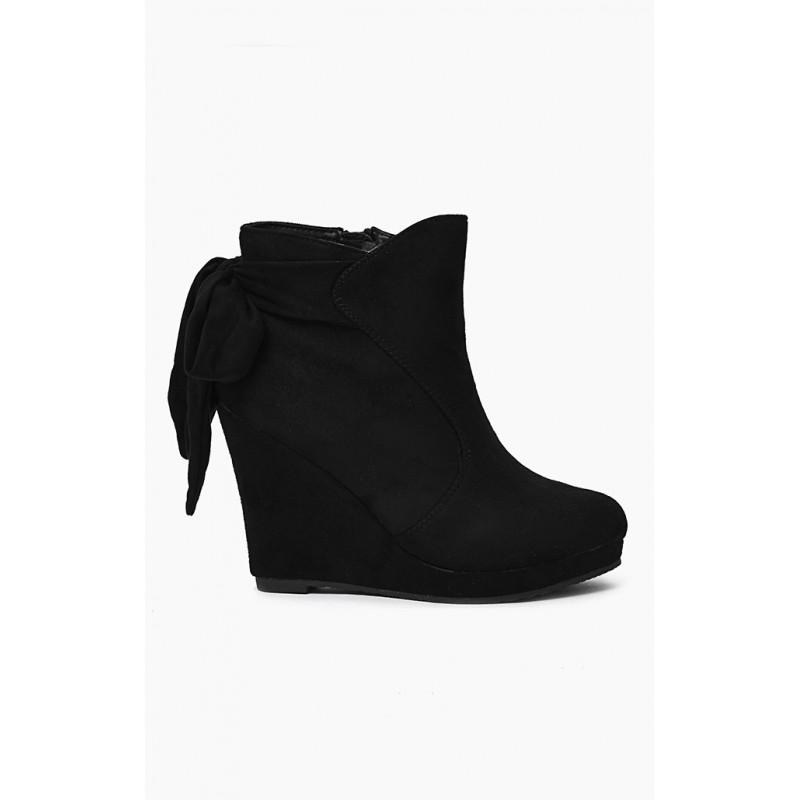 10c2f5fada Dámske členkové jesenné topánky v čiernej farbe - fashionday.eu