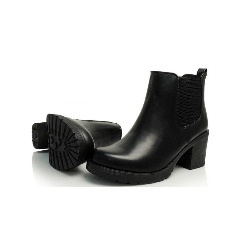 Dámska členková obuv čiernej farby na jar - fashionday.eu eeaf8b3cefe