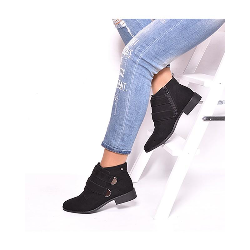 Zimná dámska členková obuv čiernej farby na nízkom podpätku ... 698e11f0727