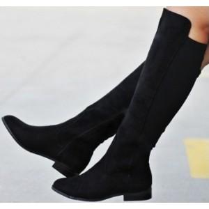 Čierne dámske zimné čižmy zateplené na nízkom podpätku