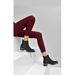 Dámska členková obuv čierna s nízkym podpätkom