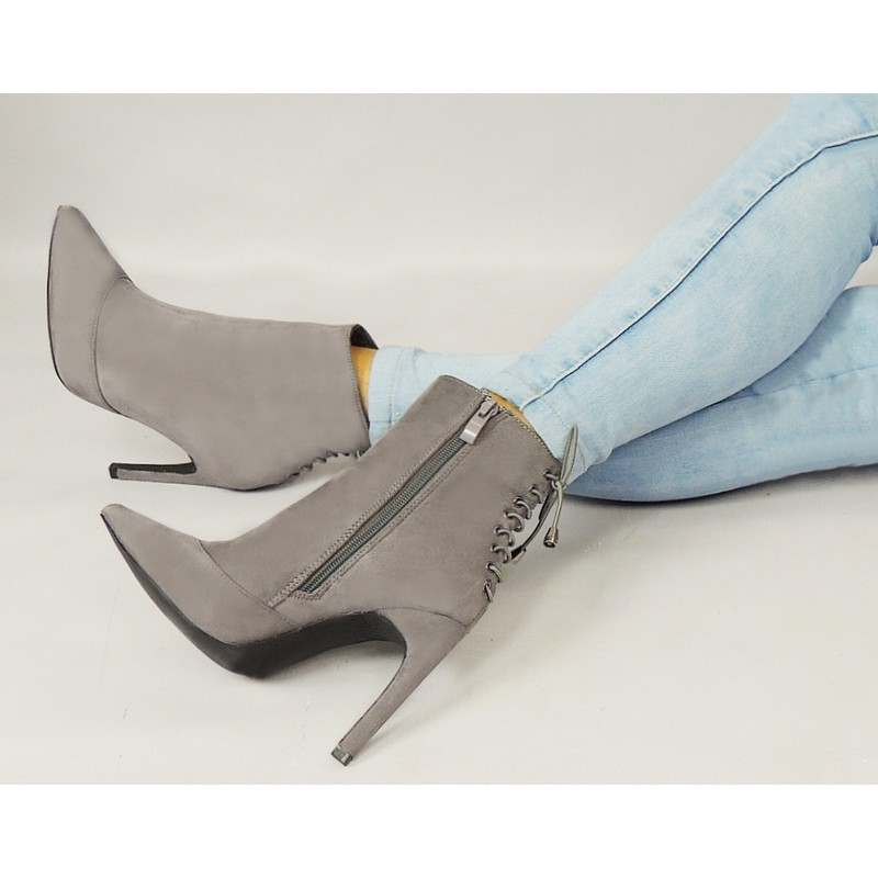4ea1559f8b49 Luxusné členkové topánky pre dámy v sivej farbe - fashionday.eu