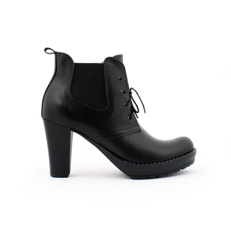 146e73a8c0 Dámske kožené členkové topánky na podpätku čierne - fashionday.eu