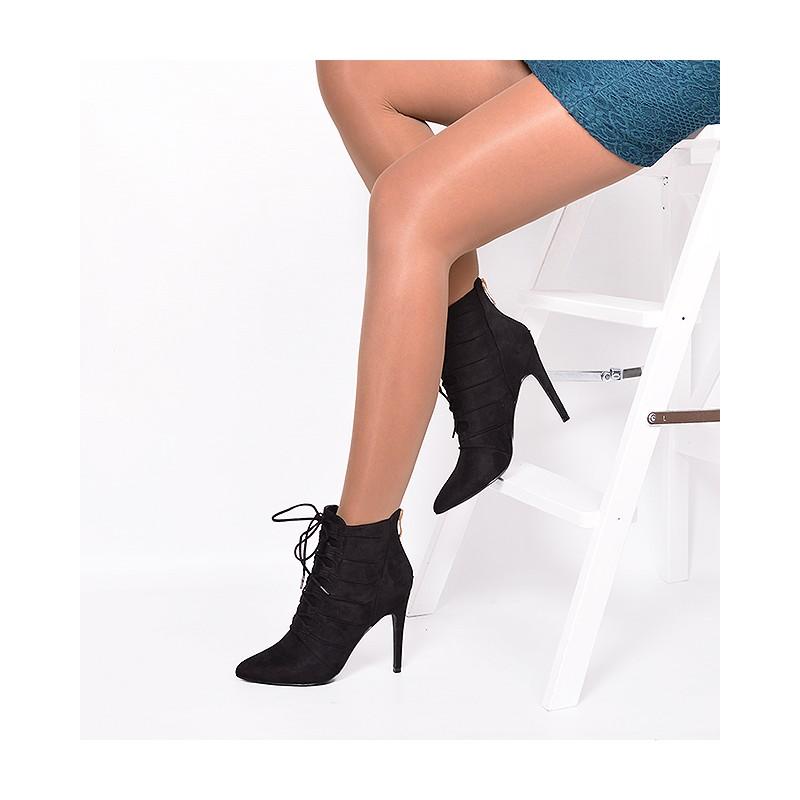 1c9e03696c Členkové dámske prechodné topánky v čiernej farbe s vysokým ...