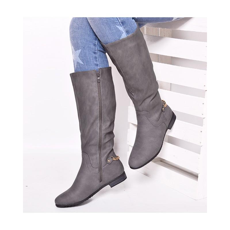 e45a2f2a25 Dámske zateplené čižmy na nízkom podpätku sivej farby - fashionday.eu