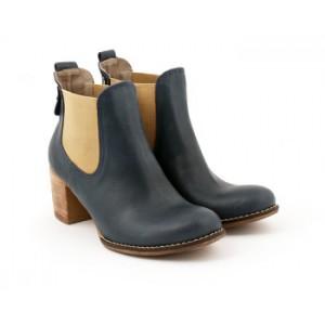 Dámske kožené topánky s podpätkom čiernej farby