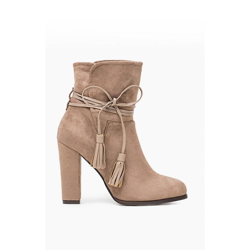 7b47f24658 Členkové dámske prechodné topánky s mašľou - fashionday.eu