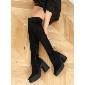 Čierne dámske semišové čižmy nad kolená na vysokej platforme a opätku