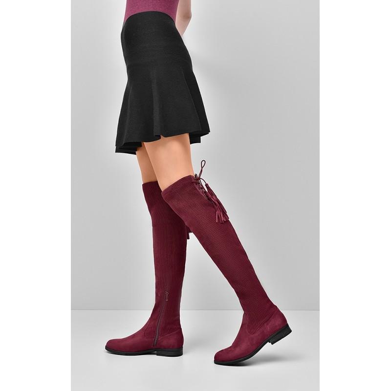 8f0247f7ad7e Predchádzajúci. Dámske zimné čižmy nad kolená bordovej farby s nízkym  podpätkom ...