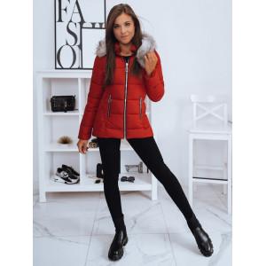 Červená dámska zateplená bunda na zimu s kožušinovou kapucňou