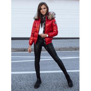 Športová dámska červená bunda na zimu s leskom a kožušinovou kapucňou