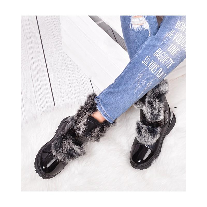 8bebe86808 Zimné kotníkové topánky s kožušinou čiernej farby - fashionday.eu