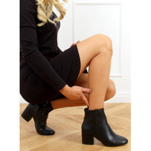 Elegantné dámske čierne členkové topánky na opätku