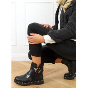 Čierne dámske rockerské členkové topánky s vybíjaním