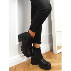 Dámske čierne členkové topánky na hrubej vysokej podrážke