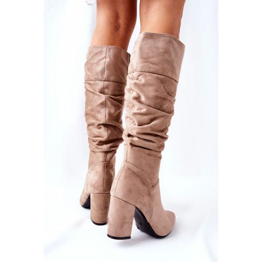 Dámske béžové semišové čižmy nad kolená na vysokom opätku