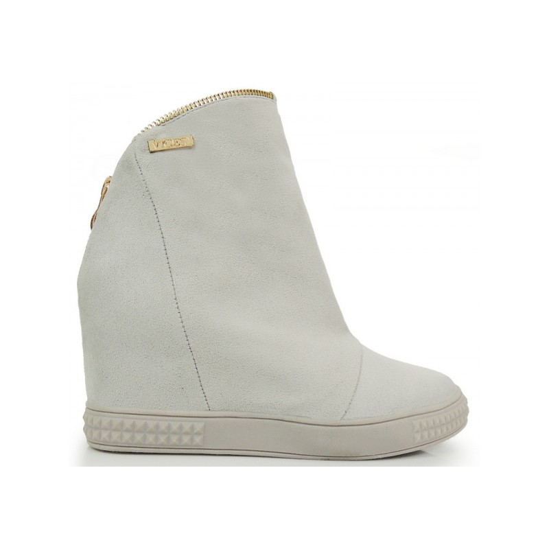 5970f6239d24 Členkové semišové topánky na platforme v svetlosivej farbe ...