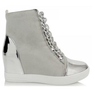 Elegantné členkové topánky na platforme v svetlosivej farbe so zapínaním na zips