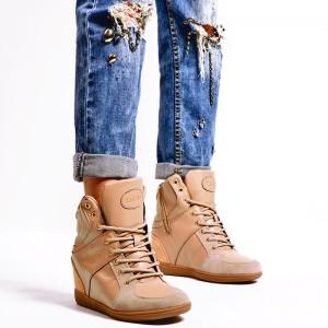 Prechodné dámske členkové topánky v hnedej farbe