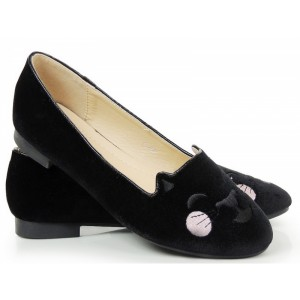 Trendové dámske balerínky čiernej farby