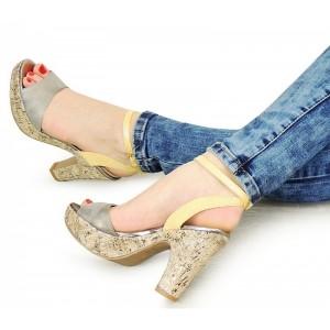 Dámske letné sandále na opätku strieborno žlté
