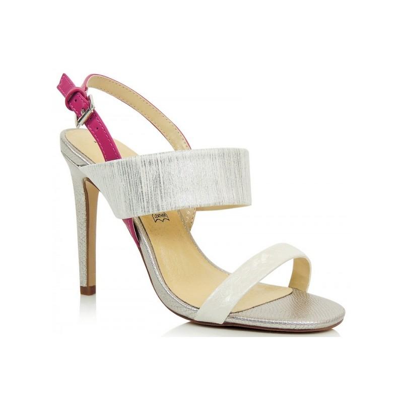 b17ac5a0cbcf Strieborné dámske sandále na tenkom podpätku - fashionday.eu