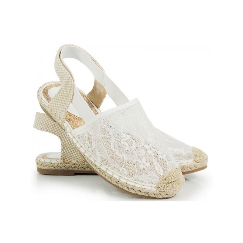 97c3c3753af4 Biele dámske espadrilky s čipkou - fashionday.eu