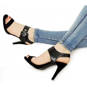 Elegantné dámske sandále na podpätku čiernej farby