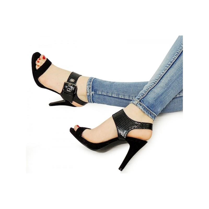 c554c7df1c5a8 Elegantné dámske sandále na podpätku čiernej farby - fashionday.eu