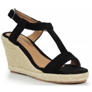 Čierne sandále na platforme s prackou na päte