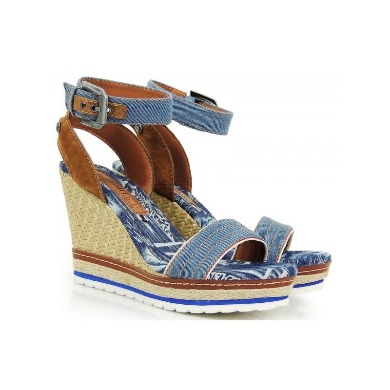 c62399105 Riflové sandále na platforme modrej farby s prackou - fashionday.eu